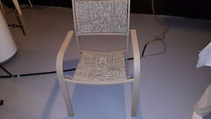 Set of 2 patio chairs