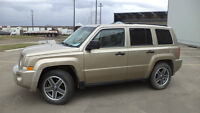 09 Patriot - auto - 4X4 - LOADED - SUNROOF - ONLY 87,000KM