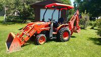 Tractor / Loader / Backhoe / Pallet forks with operator for hire