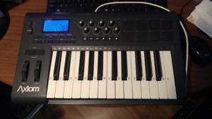 MIDI KEYBOARD - Axiom 25