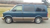 2002 GMC Safari Van - Low kms!