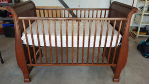 Simmons Baby Crib with Organic Cotton Mattress
