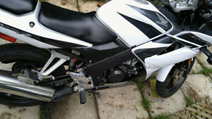 Mint condition honda cbr 125cc ( comes with safety)