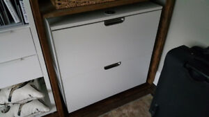 2 Drawer Lateral File Cabinet with Lock!! LIKE NEW CONDITION!