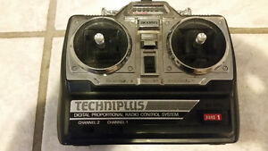 ACOMS racing car works good comes with remote and two batteries West Island Greater Montréal image 6