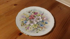 "Royal Kent ""Flowers of the Season"" Plate"