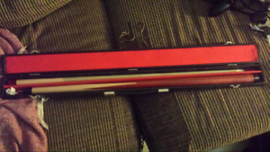 Screw together pool cue