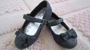 The Children Place girl's black glitter shoes size 8-9