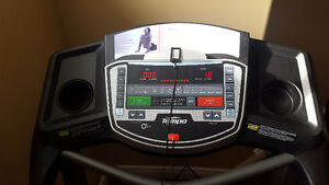 Treadmill - Tempo Fitness 611T in Mint condition for sale Kingston Kingston Area image 2