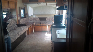 September RENTAL Travel trailer 23 foot hybrid with 2 queen beds