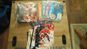 Hockey Cards - 1998 Esso Olympic Hockey Set with Binder