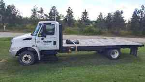 2002 International 4300 Flatbed Hydralic Brakes G Licence OK
