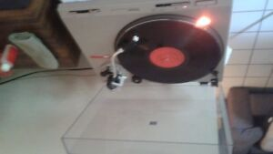 Vintage Technics Turntable!model SL D202 WOW LPS included!!!!