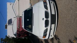 BMW 2002 (white)