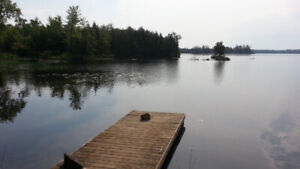 Rustic Lakefront Cabin: 2 Bdrm from$550/wk: steps to lake+dock