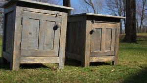 tables de chevet de nuit rustique antique fait de bois recyclé