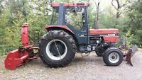 1987 Case IH 585XL Tractor 60 HP c/w blower and plow!!