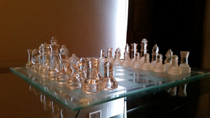 Nice glass chess set. No chips dents or scratches.