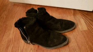 Black suede ankle boots Sized 7