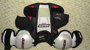 8 PIECES -  HOCKEY EQUIPTMENT, SPINLINE  FOR YOUTH