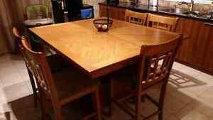 """TABLE DE CUISINE STYLE """"PUB"""""""