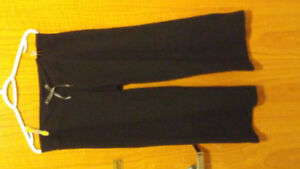 Lululemon Black yoga pants. They can fit small & Med. $25