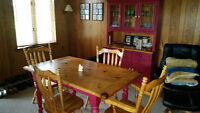 SOLID PINE DINNING TABLE WITH HUTCH & BUFFET !!!!!