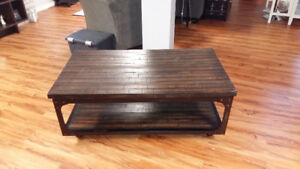 Coffee Table for Sale in Marysville Area