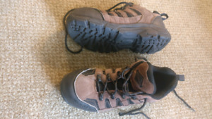 "Workload ""Harpoon 2"" Safety Work Shoes Size 7 Mens, 9 Womens"