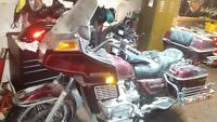pieces pour honda goldwing 1982 super propre !