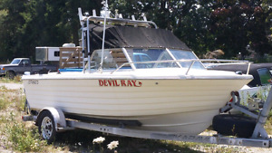FULL FINANCING $7000.00  ESTATE SALE -- 18-ft Fibreglass Boat