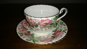 Bone China cups and saucers and creamer and sugar REDUCED Sarnia Sarnia Area image 5
