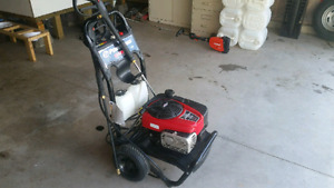 Power Boss Gas  Pressure Washer ( SOLD PENDING PICK UP)