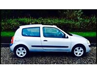 ONE YEARS MOT - Renault Clio 1.1, 87000 Miles ( 55 Plate )