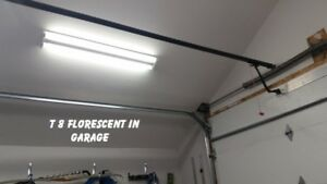 T8 FLORESCENT 4 FT  LIGHTS (two)