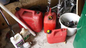3 PLASTIC GAS CANS