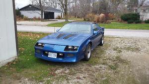 1987 z28 t-top 5.7l camaro 4000$