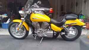 Honda vtx 1300 cc with 1800 km only
