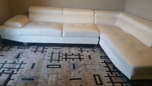 Luxury 2 Beds Apartment Downtown @ $170/Day or $2850/month