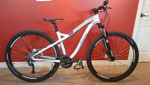 "Vélo de montagne Specialized Myka Sport Disc 29"" femme medium"