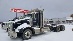 2013 Kenworth T800 Extended Day Cab
