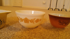 Multiple Pyrex dishes