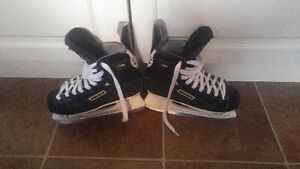 Bauer Supreme Youth Hockey Skates Size 3