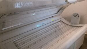 Royal Sun Express Commercial Tanning Bed Peterborough Peterborough Area image 1