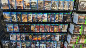We Got Gamez: Retro Game Store- PS4 + Games