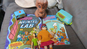 Scooby-Doo toys and books