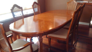 MUST SELL Beautiful Dining Room Set