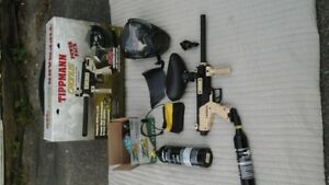 NEW PAINT BALL GUN AND ACCESORIES