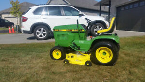 John Deer Tractor Lawnmower