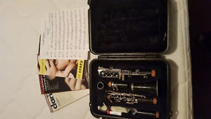 CL300 Series Selmer Student Bb Clarinet and Sheet Music